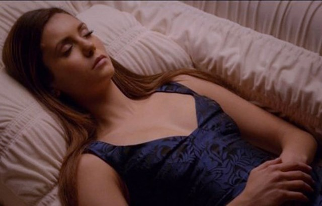 We Finally Get To See How Exactly Elena Wakes Up On 'The Vampire Diaries'