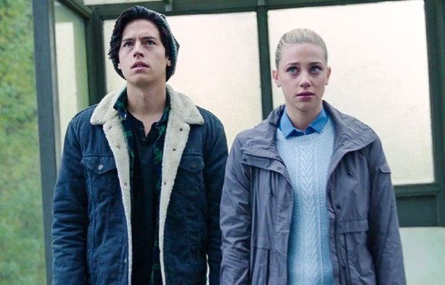 This Deleted 'Riverdale' Scene About Jughead And Betty Is SO Sweet