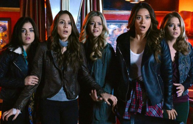 The 'Pretty Little Liars' Cast *Might* Reunite For 'Dancing With The Stars'